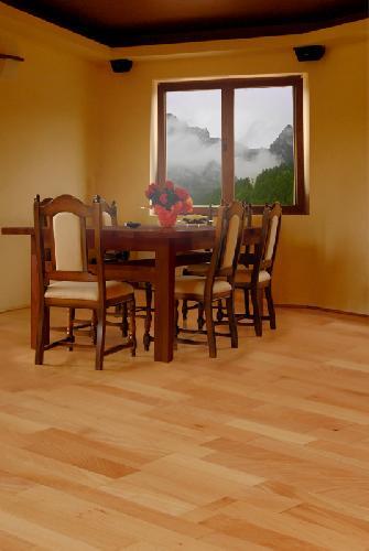 Pardoseli lemn masiv
