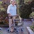 Cadru de mers ROLLATOR pt persoane cu dizabilitati motrice