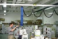 Dispozitive de ridicat cu vacuum pentru cutii carton