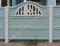 Gard din placi prefabricate din beton armat