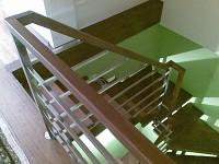 Scara structura metalica, Trepte lemn, Balustrada inox-lemn