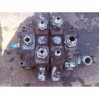 Distribuitor hidraulic fata pentru buldoexcavator FAI