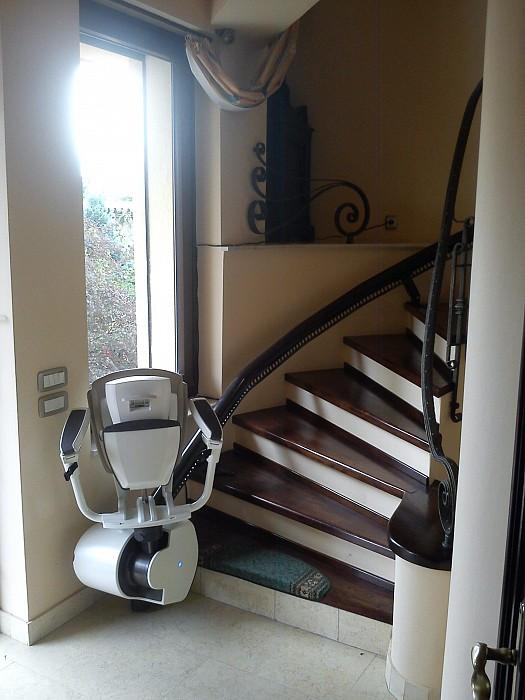 Elevator scaun