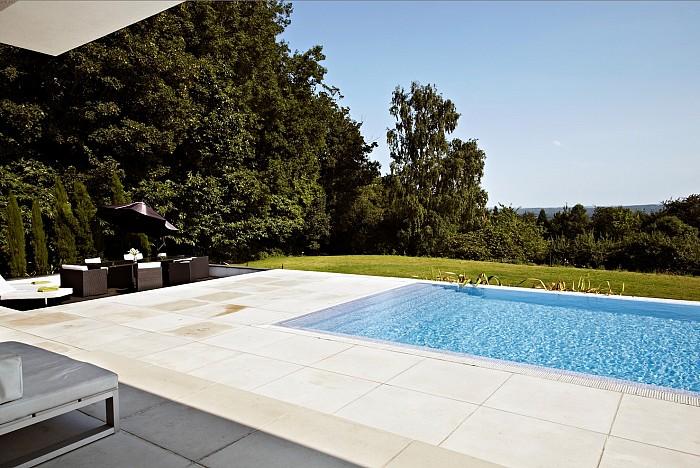 Piscine aqualife constructii piscine piscine beton for Constructii piscine