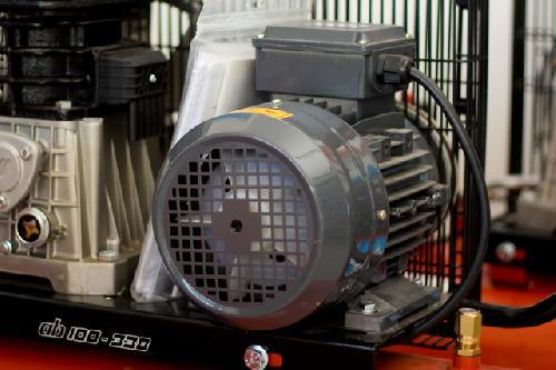 Motoare electrice pentru compresoare