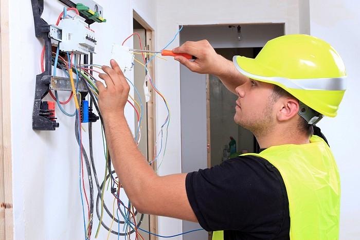Schimbat instalatie electrica apartament 3 camere
