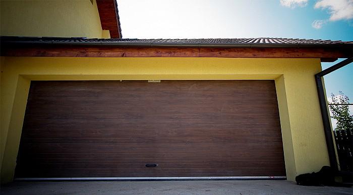 Usi de garaj sectionale doorTECK