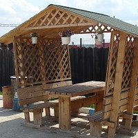 foisor de lemn gradina