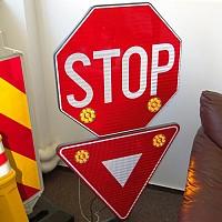 indicatoare stradale reflectorizante