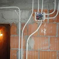instalatii electrice case