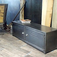 mobilier metal